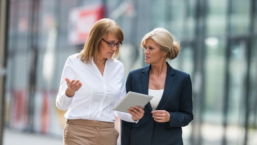 iStock-534330520 - Female Managers Outdoor - 530 x 300